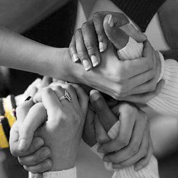 לאחוז ידיים - מערכות יחסים